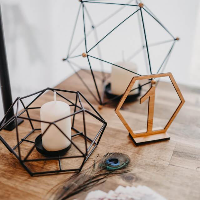 Tischnummer_geometrisch_Holz2